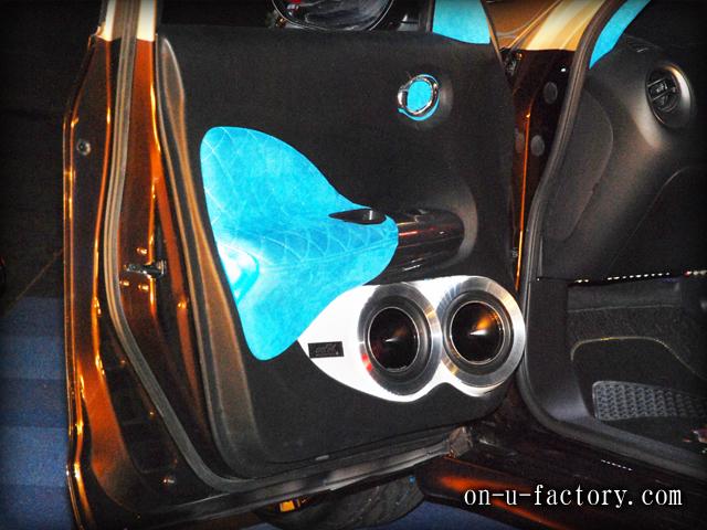 JUKE ドアスピーカーインストール:6inchミッドバススピーカーバッフル製作(ダブル付け角度付き・こっち向きスピーカー) ドアトリム加工 アルミリング製作 塗装仕上げ