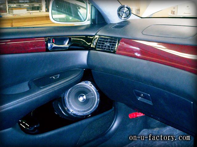 ウィンダム ドアスピーカーインストール:7inchミッドバススピーカーバッフル製作(角度付き・こっち向きスピーカー) ドアトリム加工 塗装仕上げ