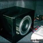 箱乗せサブウーファーボックス: サブウーファーボックス/ 塗装仕上げ