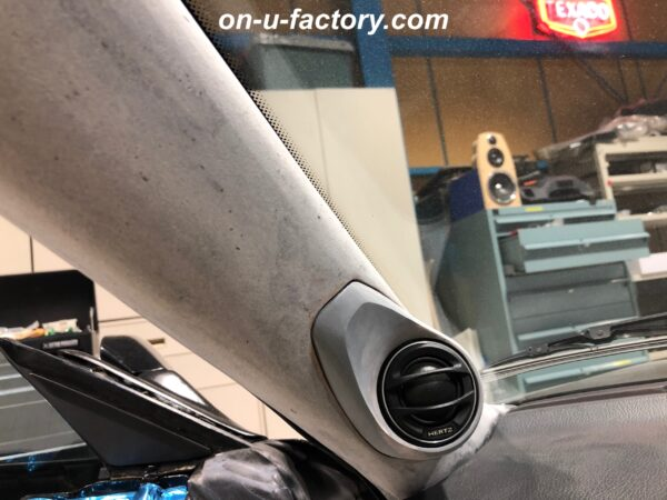 onUfactory オンユーファクトリー 70スープラ カーオーディオカスタム Aピラー PVCツィーターマウント ほぼ完成