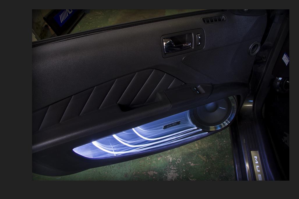 Car audio custom Ford MUSTANG フロントドアスピーカー:ミッドレンジ:Rockford Fosgateロックフォード PM-180