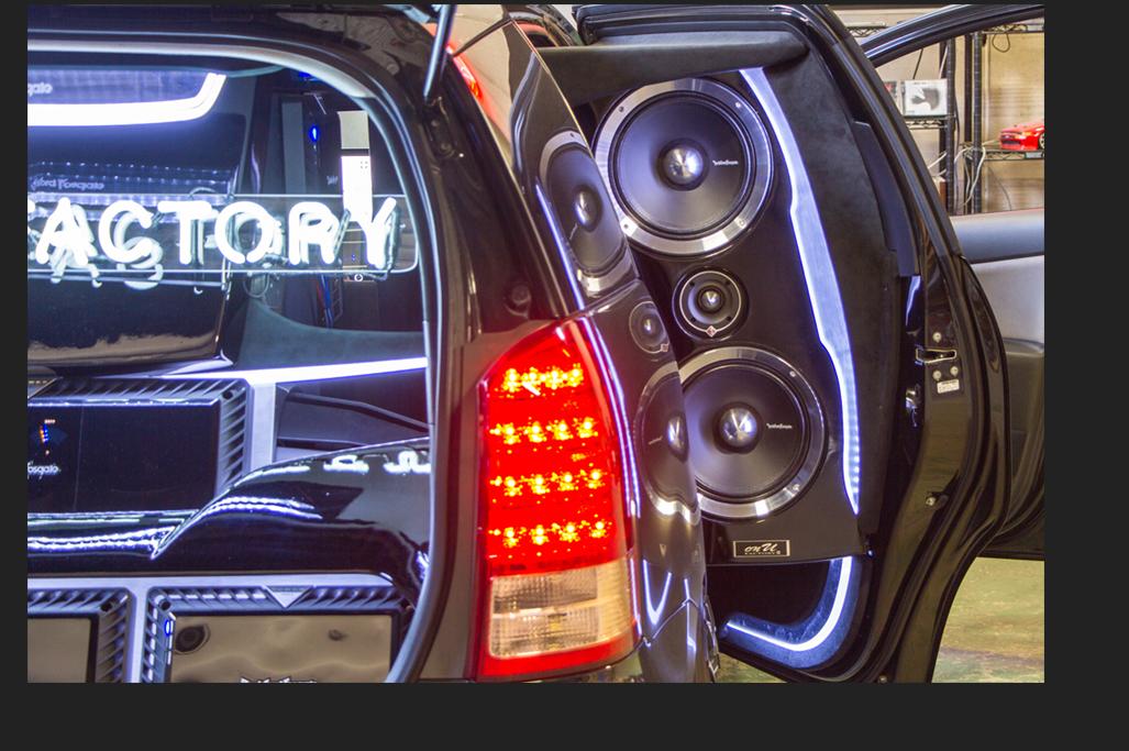 カスタム カー オーディオ オンユーファクトリー トヨタWISH リアドアスピーカー:Rockford Fosgate ロックフォード PPT-4 PPS8-10dua